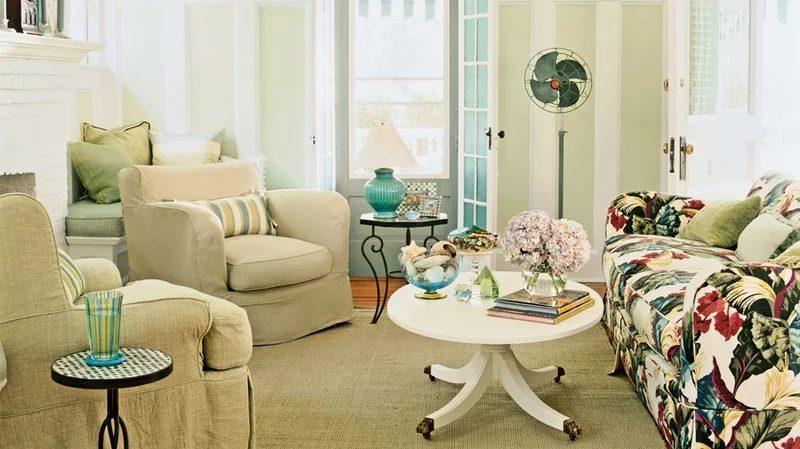 Astonishing modern living room with yellow walls #Homedecor #Livingrooms # Rooms # Interiordesigns