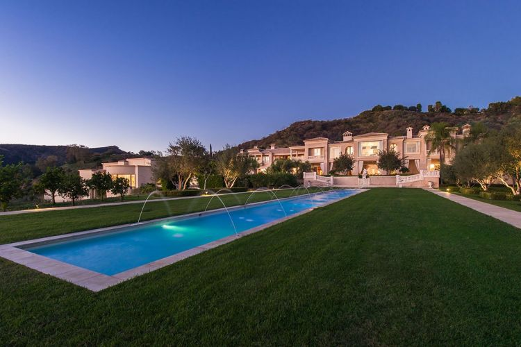 The Biggest House in the World (Palazzo di Amore)