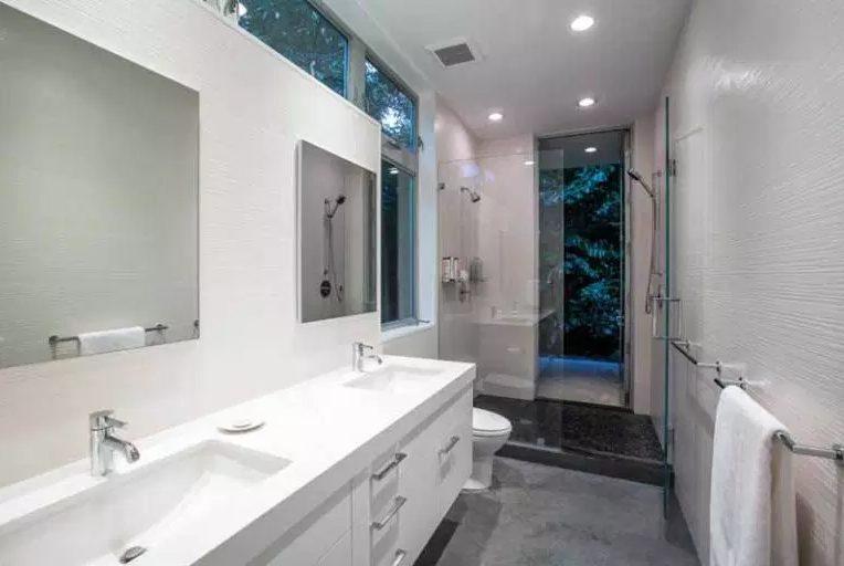 Awesome bathroom remodel ideas before and after #Homedecor #Bathroomremodel #Homerenovation