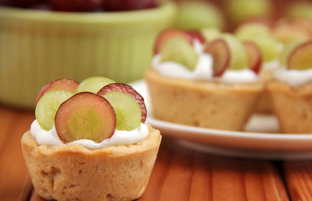 Miraculous healthy desserts under 100 calories #healthydesserts #desserts #food #snacks