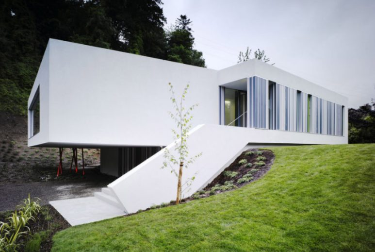 Eye-opening modern home design with courtyard #home #UniqueHouse #modernhome #homedesigns