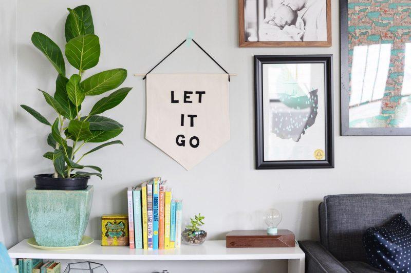Uplifting wall decor ideas in bedroom #Home #Homedecor #Wallideas #Houseinterior