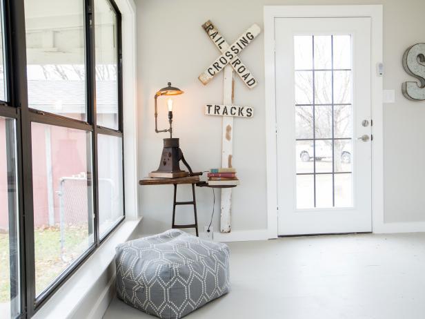 Astonishing wall decor ideas for hallway #Home #Homedecor #Wallideas #Houseinterior