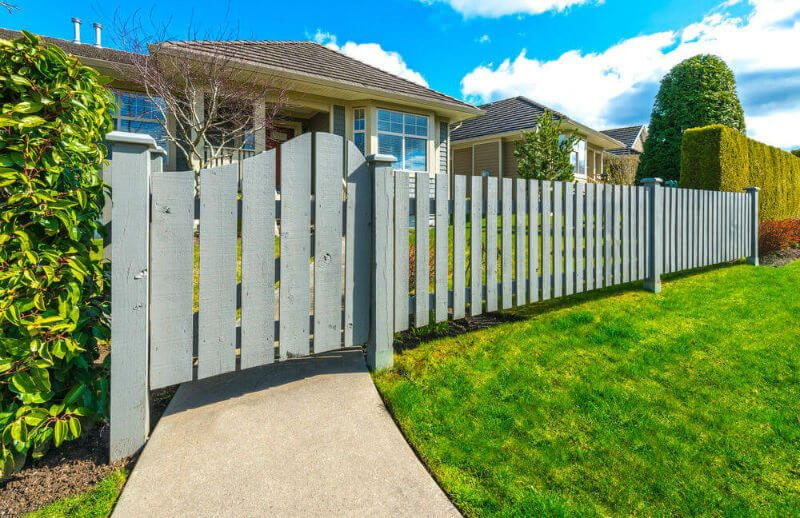 Eye-opening modern home design with courtyard #home #fencedesigns #fence #outdoor