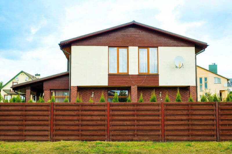 Uplifting modern home design bc #home #fencedesigns #fence #outdoor